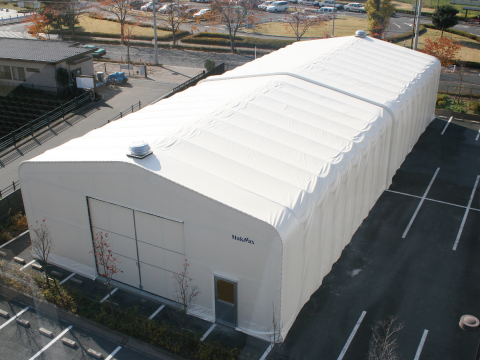 伸縮式テント倉庫