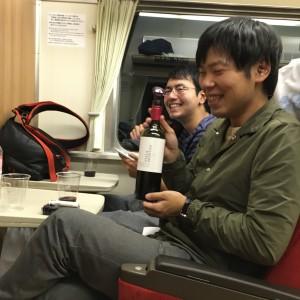 写真⑤喫煙列車